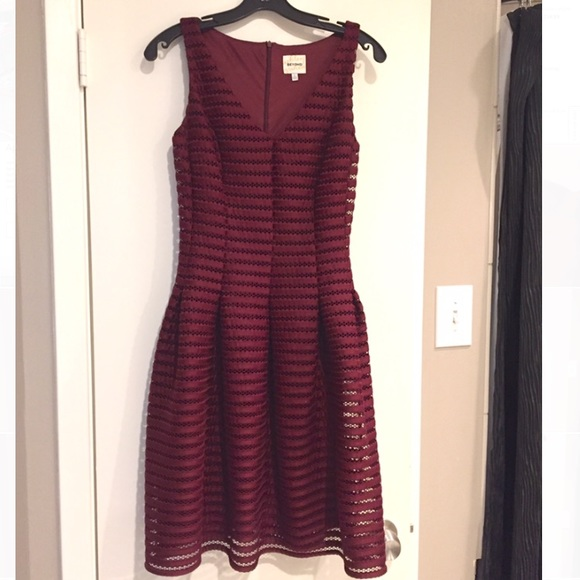 Ashley Graham Dresses & Skirts - Burgundy Dress